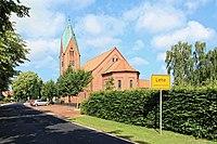 Lehe - Dorfstraße + Herz-Jesu-Kirche 03 ies.jpg