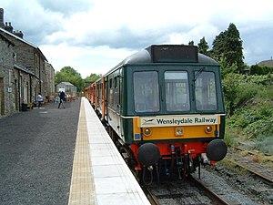 Wensleydale Railway - Diesel multiple unit at Leyburn railway station in 2005