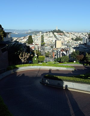 Lombard Street (San Francisco) - Looking east down the curvy block of Lombard Street, with the straight section continuing towards Telegraph Hill and Coit Tower