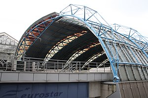 Waterloo International railway station - Waterloo International arch