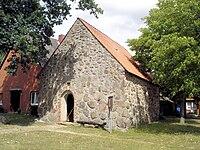 Luebbow Kapelle.jpg