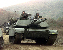 40b5355a1b6fd8 U.S. M1A1s during the Foal Eagle 1998 training exercises in South Korea,  with their factory single green paint scheme. M1A1 in the Australian Army's  ...