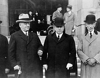 Politics of Canada - William Lyon Mackenzie King (center), Prime minister of Canada, between Howard Ferguson (left), Premier of Ontario, and Louis-Alexandre Taschereau(right), Premier of Quebec, at the Dominion-Provincial Conference, 1927.