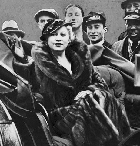 Мэй Уэст в 1933 году