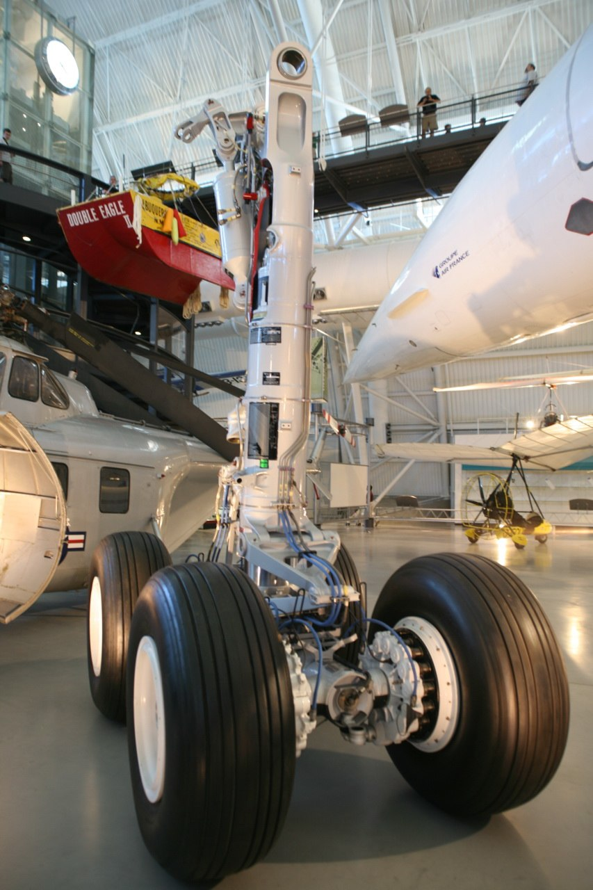Main landing gear of Airbus A330 and A340