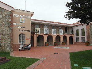 Thuir - The town hall in Thuir