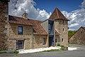 Maison Passerelle vue depuis la place de l'église - Saint-Pierre-de-Frugie.jpg