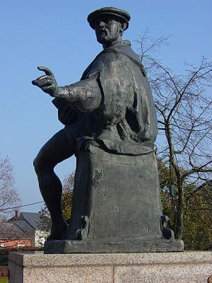 Mamer - Statue of Nicolaus Mameranus, Mamer