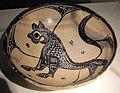 Manifattura tunisina, ciotola con felino 2, 1165-1220 ca., da mus. diocesano s. miniato.JPG