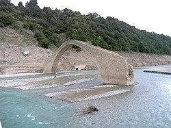 Manolis stone bridge 01.jpg