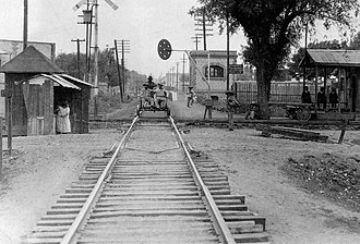 Nuevo Polanco - Railroad to Cuernavaca crossing Marina Nacional, 1910s.