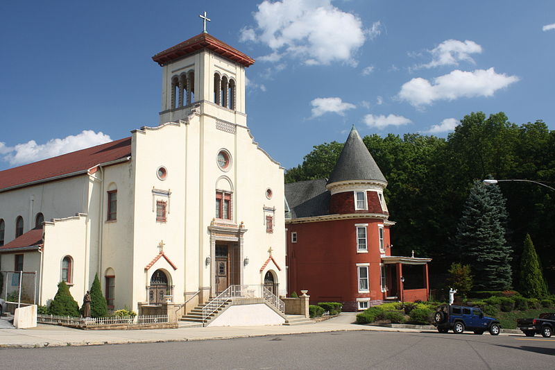 File:Mary, Queen of Peace Catholic Church, Pottsville, PA, 15 Aug 2012.jpg