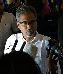 Mathews at EeMaYau premiere.jpg