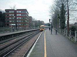 Maze Hill station - geograph.org.uk - 123370.jpg