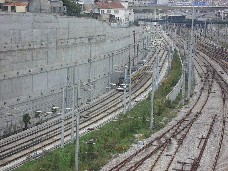 Imagem:Metro do Porto A Chegar A Campanha.jpg