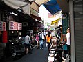 Miaodong Night Market 廟東夜市 - panoramio (1).jpg