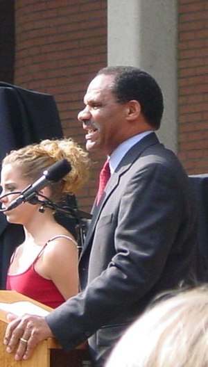 Mike Garrett - Garrett at the 2003 USC awards presentation