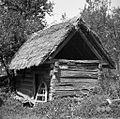 Mohoričkova kašča, narejena iz brun (dvocelična), prvi prostor kamra, drugi kašča, Malo Lipje 1957.jpg