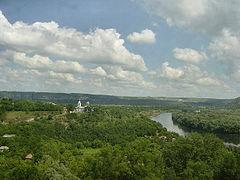 Il fiume Dnestr in tutta la parte occidentale del paese