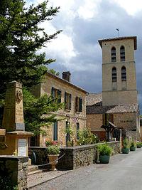 Molières - Mairie et église -1.jpg