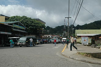 Monteverde - Santa Elena, Monteverde's larger neighbor and primary provider of goods and lodging