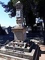 Monument St Denis du Sig.jpg
