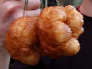 Sfenj - Image: Moroccan donuts 01