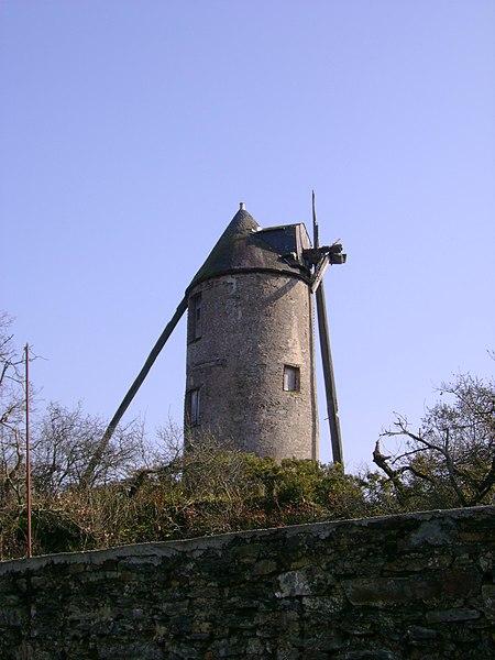 Moulin de la Saulaie, Candé, 49, France. (propriété privée, vue de la route, monument historique)