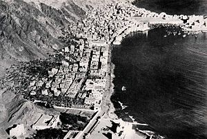 Aden Protectorate - Aerial view of Mukalla, Eastern Protectorate, 1932