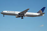 N657UA Boeing 767 United (14622832978).jpg