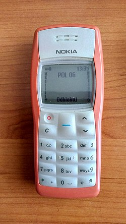 Nadal działajaca Nokia 1100 (2018 rok) Zakupiona w 2005 roku. Obecnie obsługuje polską sieć Play.jpg