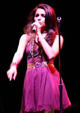 Nadia Ali (singer) - Nadia Ali performing at Avalon, Boston in 2006