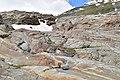 Nationalpark Hohe Tauern - Gletscherweg Innergschlöß - 46 - Wegmarkierung am Gletscherschliff.jpg