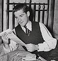 Neil Harvey 1948d.jpg