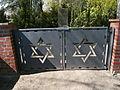 Neustadt-in-holstein-jüdischer-friedhof-eingang-vom-grasweg-aus.JPG