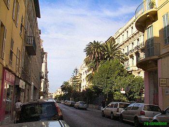 L'avenue Maréchal Foch en direction de l'Av. Jean Médecin. Prise de vue ouest, vers 11h30.