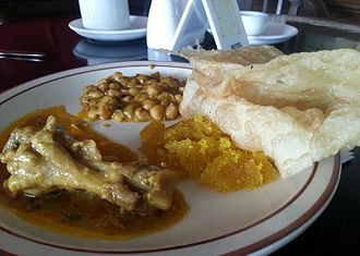 Pakistani cuisine - Having Nihari and Halwa Puri in breakfast is popular among people living in Lahore.