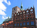 Nikolaikirche Rathaus HST straightened.jpg