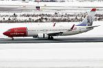 Norwegian, EI-FHY, Boeing 737-8JP (25356647515).jpg