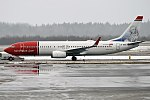 Norwegian (Carl von Linné Livery) , LN-NHA, Boeing 737-8JP (39930472124).jpg