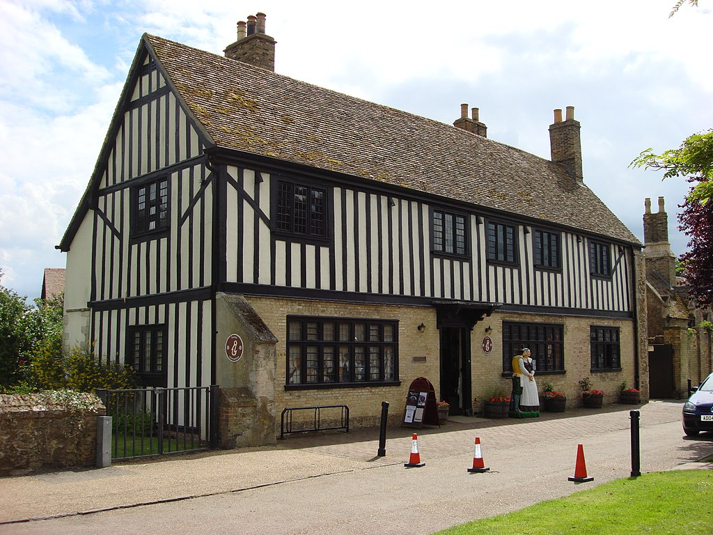 1024px-Oliver_Cromwell_House_Ely.jpg