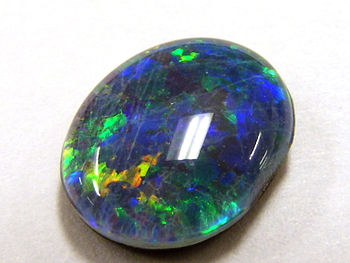 English: An opal doublet from Andamooka South ...