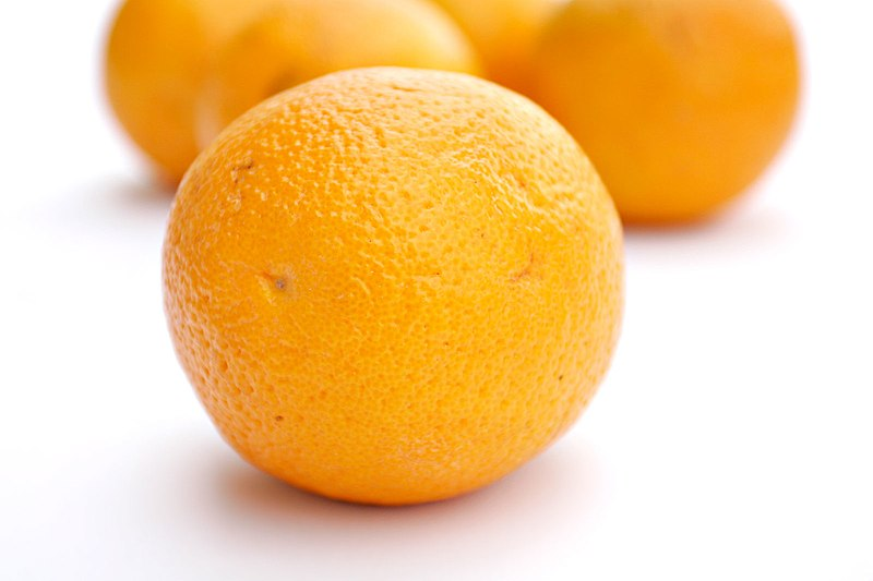 Oranges white background.jpg
