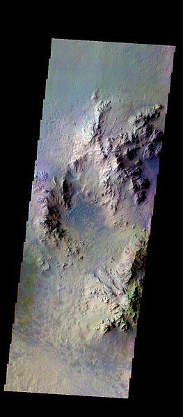 File:PIA21292 - Hale Crater - False Color.jpg