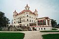 Pałac w Wojanowie widok od strony parku.jpg