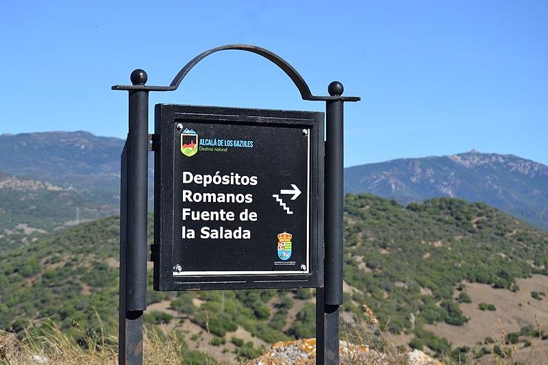 File:Paisajes de Alcalá de los Gazules (24054908808).jpg