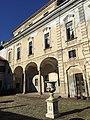 Palazzo Caroelli facciata interna.jpg