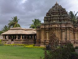 Panchalingeshwara temple at Hooli