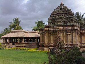 Hooli - Panchalingeshwara temple at Hooli