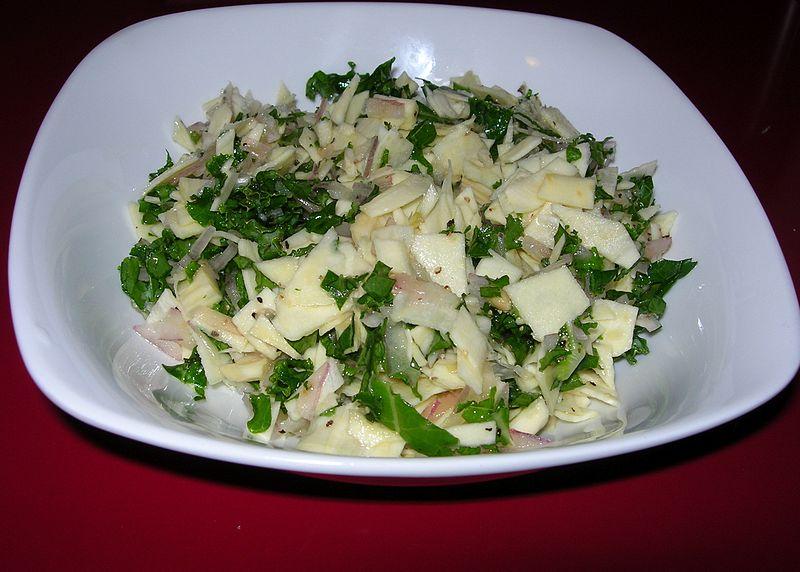 File:Parsnips, Kale & Red Onion with lemon & walnut oil (8387794747).jpg